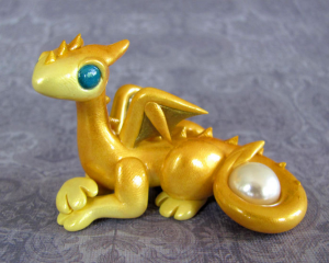 GoldPerneseDragon